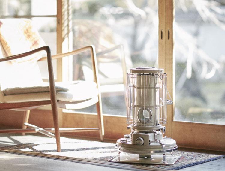 柔らかな暖かさに包まれて♪レトロかわいいストーブ【アラジン ブルーフレームヒーター】